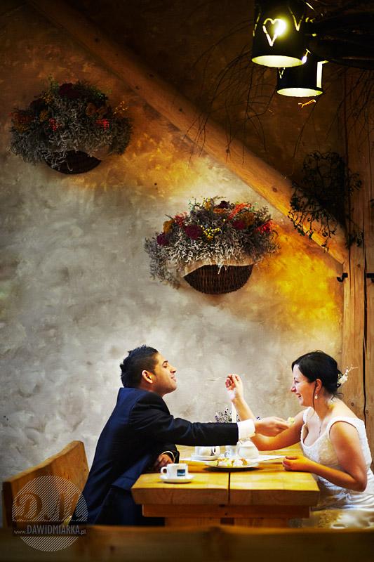 Fotografia ślubna w Kętach w restauracji Piwnica Rycerska