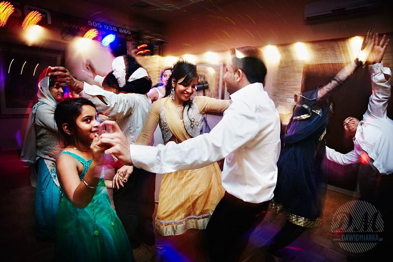 Taniec obcokrajowców na weselu